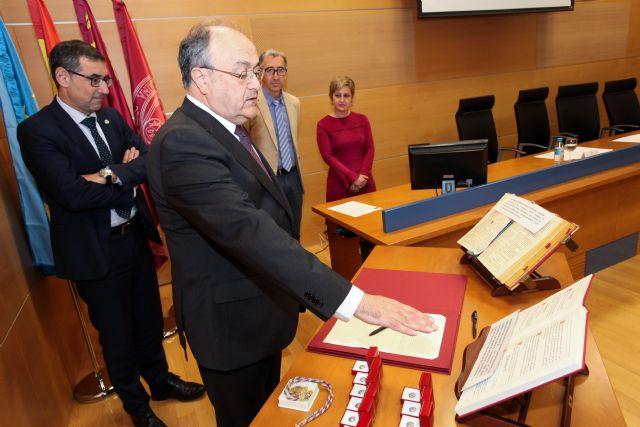 Agustín Romero toma posesión como decano de la facultad de Psicología de la Universidad de Murcia - 1, Foto 1