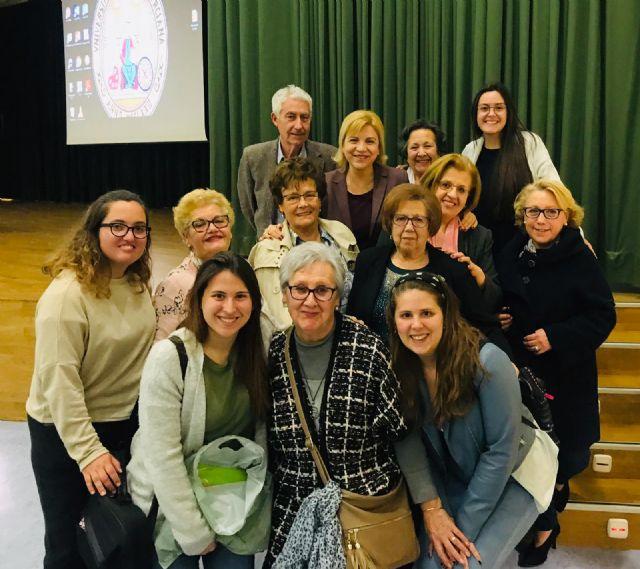 17 centros sociales de personas mayores del IMAS participan en los encuentros intergeneracionales con universitarios, Foto 1