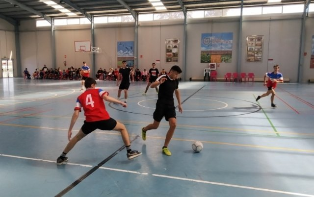"The Municipal Sports Center ""December 6"" and the School Hall hosted the Intermunicipal Phase of School Sports Room Soccer"