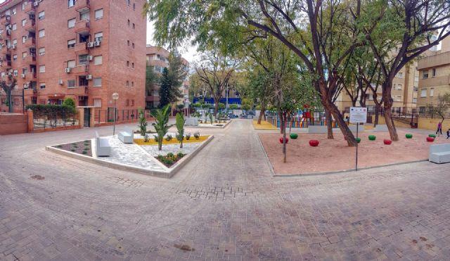 Desempleados inscritos en el SEF reforman por completo la Plaza de la Enseñanza en el Infante - 1, Foto 1