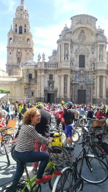 Ahora Murcia participa en la bicifestación en apoyo de  los  colectivos ciudadanos que demandan un municipio por la salud y contra el cambio climático - 1, Foto 1