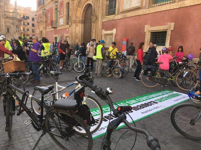 Ahora Murcia participa en la bicifestación en apoyo de  los  colectivos ciudadanos que demandan un municipio por la salud y contra el cambio climático - 2, Foto 2