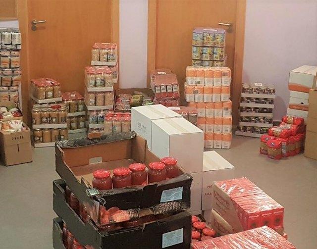 Bienestar Social reparte entre familias vulnerables los alimentos donados por Piedras Vivas - 1, Foto 1