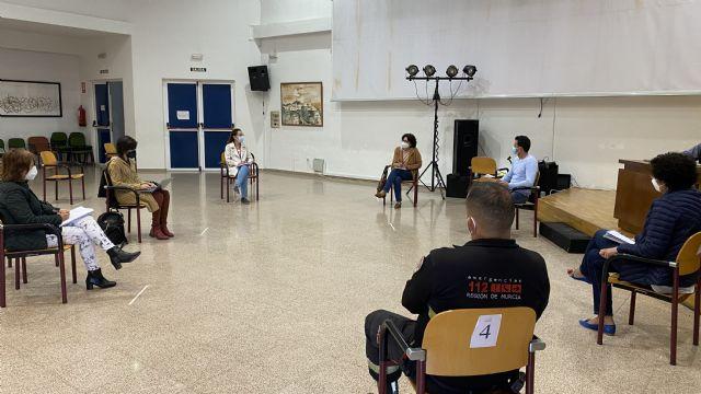 Ayuntamiento y Consejería de Salud trabajan en la intervención sociocomunitaria con diferentes colectivos para frenar la expansión de la COVID-19 en Puerto Lumbreras - 2, Foto 2