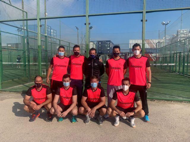[Nueve equipos del Club de Tenis participan en el Campeonato Regional Federado de pádel por equipos representando a Totana