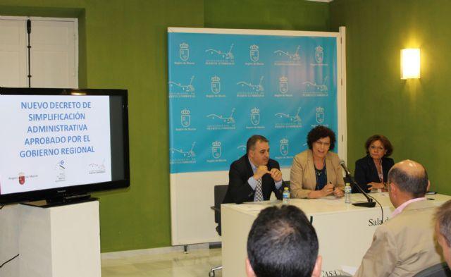 Puerto Lumbreras acoge una charla informativa sobre las nuevas medidas de simplificación administrativa aprobadas por el Gobierno regional - 1, Foto 1