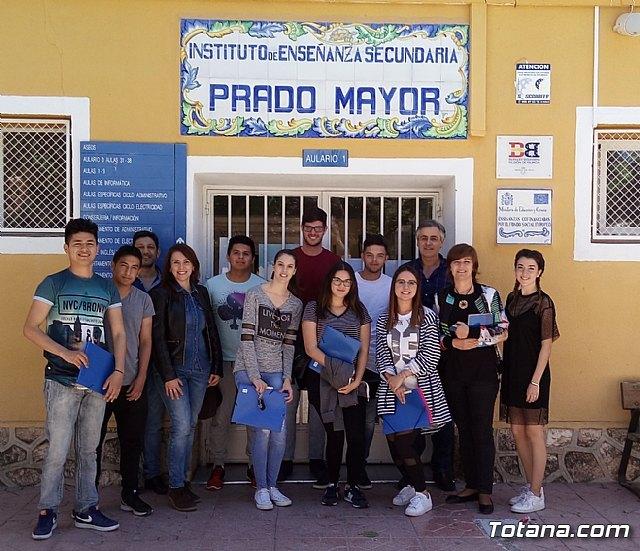 Totana Com El Alumnado De Los Ciclos Formativos De Grado