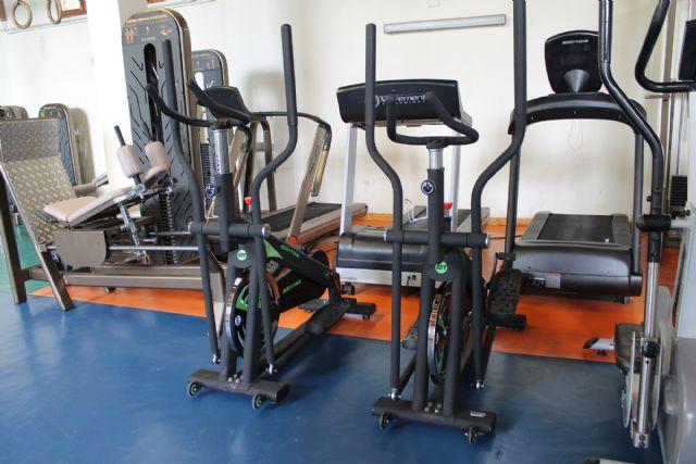 Nuevos aparatos de musculación para ofrecer un mejor servicio a los usuarios del gimnasio de La Rafa - 1, Foto 1