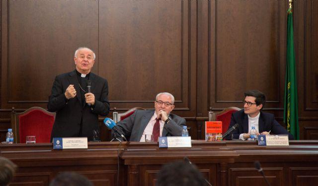 Vincenzo Paglia: La Iglesia debe entrar en el debate ético y cultural contemporáneo - 1, Foto 1