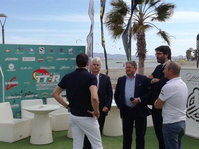 El Campeonato de España junior de kitesurf proyecta la imagen del Mar Menor como destino náutico de referencia - 1, Foto 1