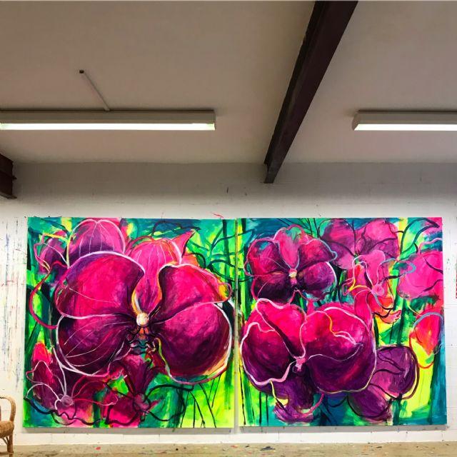 El Palació Almudí acoge una exposición de obra reciente de MUHER sobre temática floral