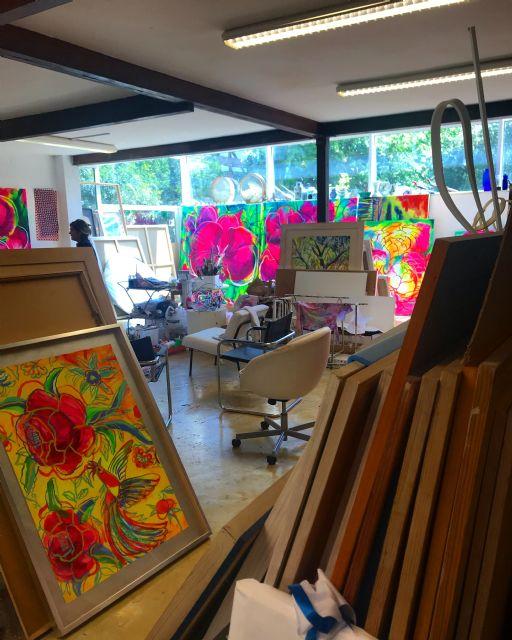 El Palació Almudí acoge una exposición de obra reciente de MUHER sobre temática floral, Foto 5