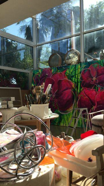 El Palació Almudí acoge una exposición de obra reciente de MUHER sobre temática floral, Foto 6