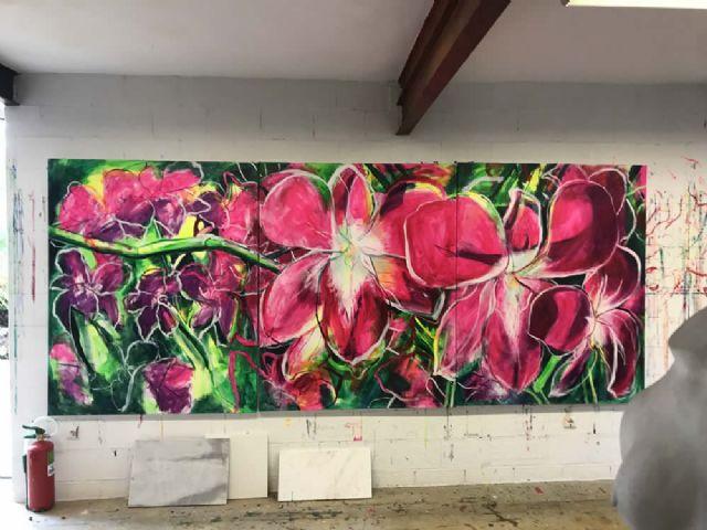 El Palació Almudí acoge una exposición de obra reciente de MUHER sobre temática floral, Foto 7