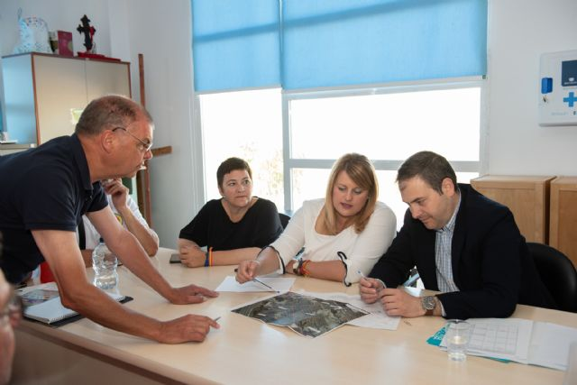 Ayuntamiento y comunidad propondrán a la confederación hidrográfica un nuevo encauzamiento de la rambla de Camposol, Foto 1