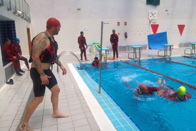 Los bomberos murcianos se forman en salvamento acuático en Las Torres de Cotillas - 1, Foto 1
