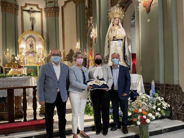 La Virgen del Amor Hermoso recibe un fajín con la imagen de su hijo Resucitado - 4, Foto 4