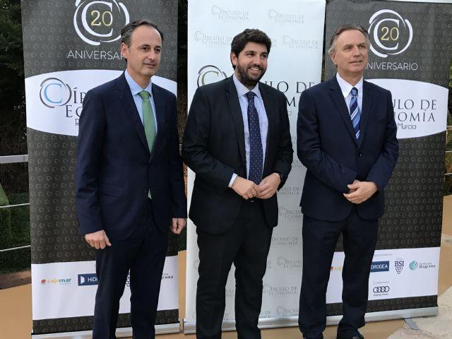 Fernando López Miras asiste al acto organizado con motivo del 20 aniversario del Círculo de Economía de la Región - 1, Foto 1