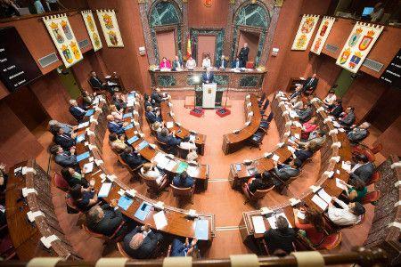La Asamblea pide que se resuelvan favorablemente y de inmediato los expedientes de los afectados que hayan demostrado con informe técnico que las ayudas están invertidas en la reparación de sus viviendas - 1, Foto 1