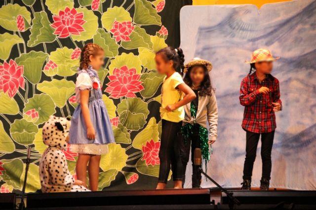 Primera jornada de muestras fin de curso de los talleres municipales de teatro, Foto 1