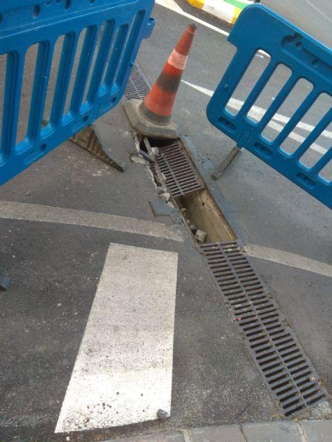 La avenida de España permanecerá cortada una semana para arreglar una rejilla de recogida de pluviales, Foto 1