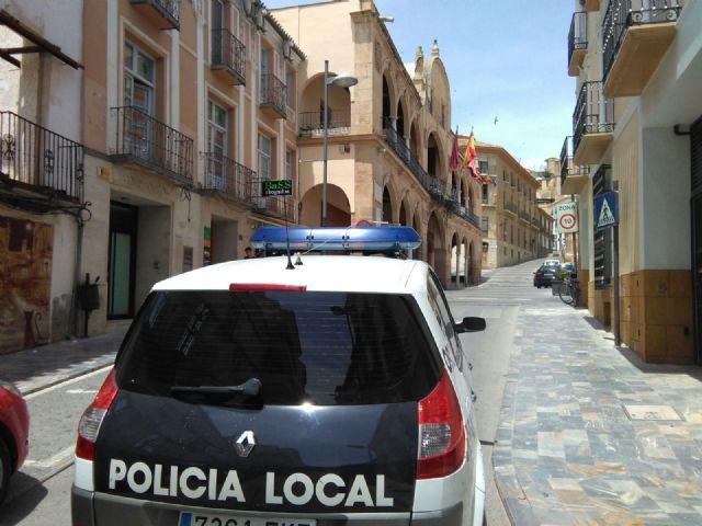 La Policía Local realiza dos operaciones que se saldan con la detención de una persona con orden de expulsión y la asistencia a una presunta víctima de violencia con la detención de su agresor - 1, Foto 1