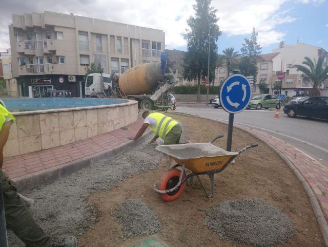 Césped artificial para evitar accidentes de tráfico y ahorrar agua, Foto 1