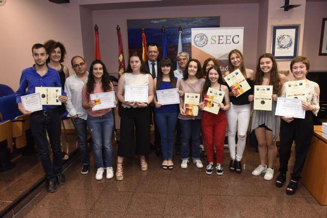 La Universidad de Murcia premia a los ganadores de las Olimpíadas de Lenguas Clásicas - 1, Foto 1