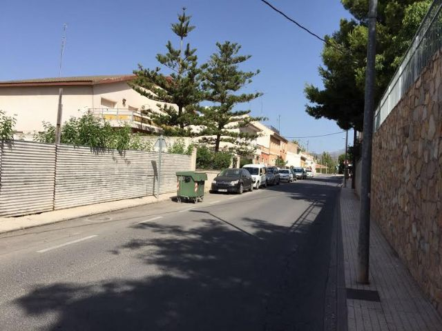 More than 40 families in Santa Eulalia Avenue have solved the pressure problems in the potable water network that they have been suffering for years. The works, with a budget of 7,600 euros, have consisted in connecting the network with the one of th, Foto 2