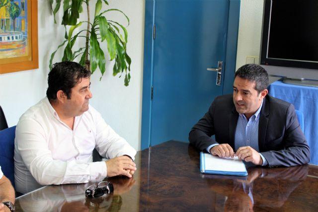 El alcalde recibe al nuevo presidente de la Junta de Hermandades y Cofradías Pasionarias - 2, Foto 2