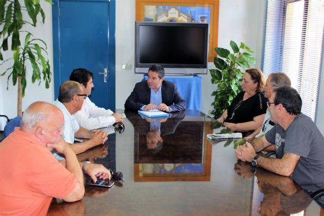 El alcalde recibe al nuevo presidente de la Junta de Hermandades y Cofradías Pasionarias - 3, Foto 3