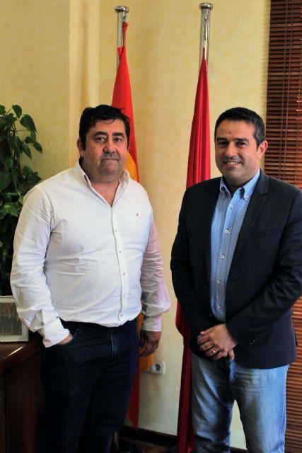 El alcalde recibe al nuevo presidente de la Junta de Hermandades y Cofradías Pasionarias - 4, Foto 4