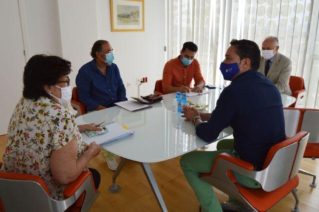 ASECOM se interesa por las ayudas municipales a empresas y autónomos por la crisis de COVID-19 - 1, Foto 1