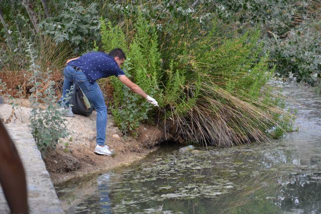 Voluntarios recogen 50 kilos de basura de la ribera del río Argos en Calasparra - 3, Foto 3