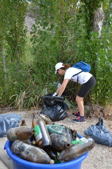 Voluntarios recogen 50 kilos de basura de la ribera del río Argos en Calasparra - 4, Foto 4