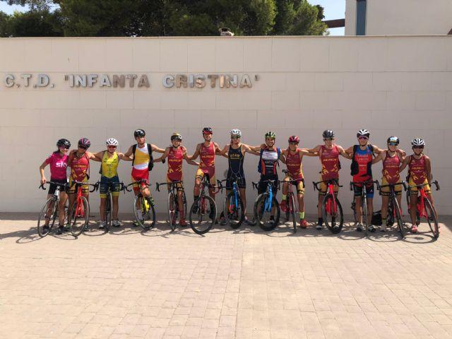 La Federación de Triatlón de la Región de Murcia celebra una concentración con el Grupo de Tecnificación en el CAR Infanta Cristina - 1, Foto 1