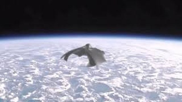 El Caballero Negro (Black Knight satellite) - 2, Foto 2