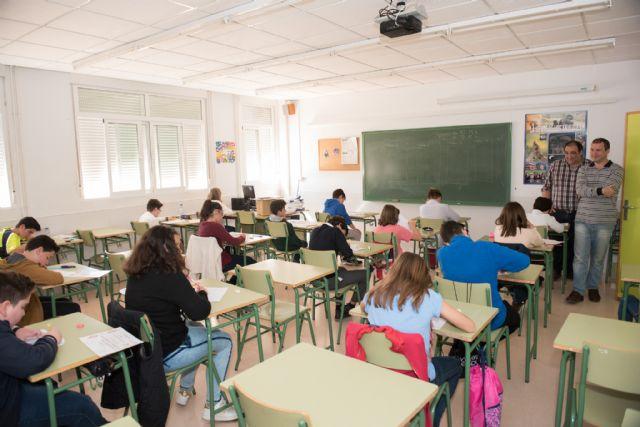 Cerca de 2.000 alumnos comienzan el curso en secundaria, bachillerato y formación profesional - 1, Foto 1