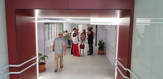 El Centro de Especialidades de El Carmen mejor a la accesibilidad a sus usuarios con la eliminación de la escalera principal - 1, Foto 1