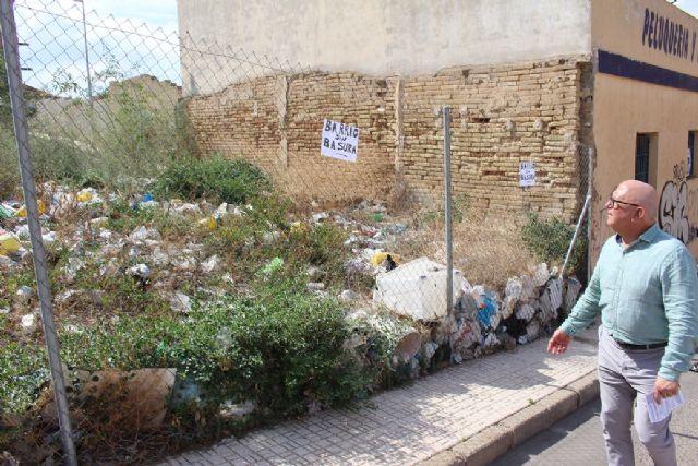 Ciudadanos comparte con los vecinos de San Antón su plan de choque contra los solares abandonados en todo el municipio - 2, Foto 2