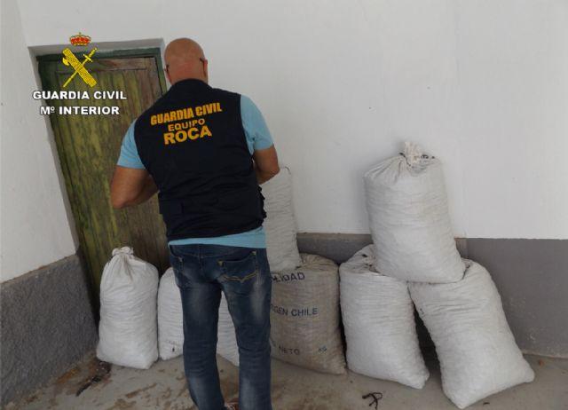 La Guardia Civil detiene en Mula a dos experimentados delincuentes por robos en fincas, Foto 1