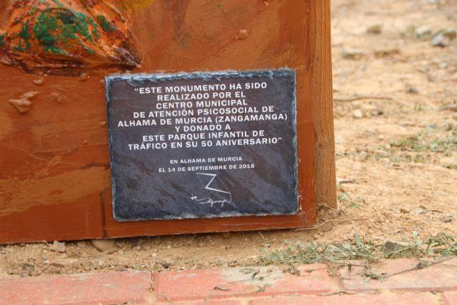 Una escultura del Castillo elaborada por el centro Psicosocial decora desde hoy el Parque Infantil de Tráfico, Foto 1