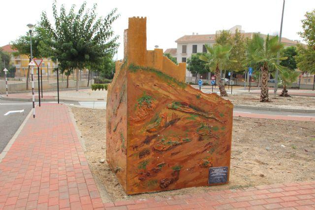 Una escultura del Castillo elaborada por el centro Psicosocial decora desde hoy el Parque Infantil de Tráfico, Foto 2
