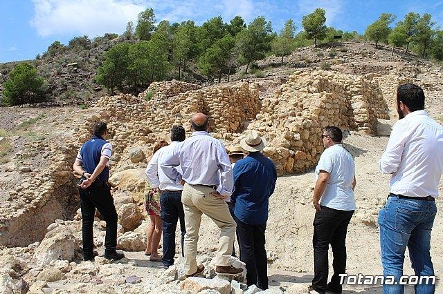 Ciudadanos reitera su apoyo a la preservación y puesta en valor de nuestro patrimonio durante su visita al yacimiento argárico de La Bastida en Totana, Foto 1