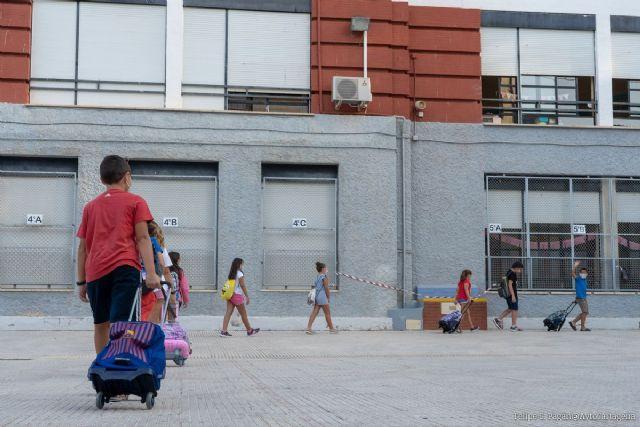 El Ayuntamiento de Cartagena refuerza la limpieza en los centros escolares - 1, Foto 1