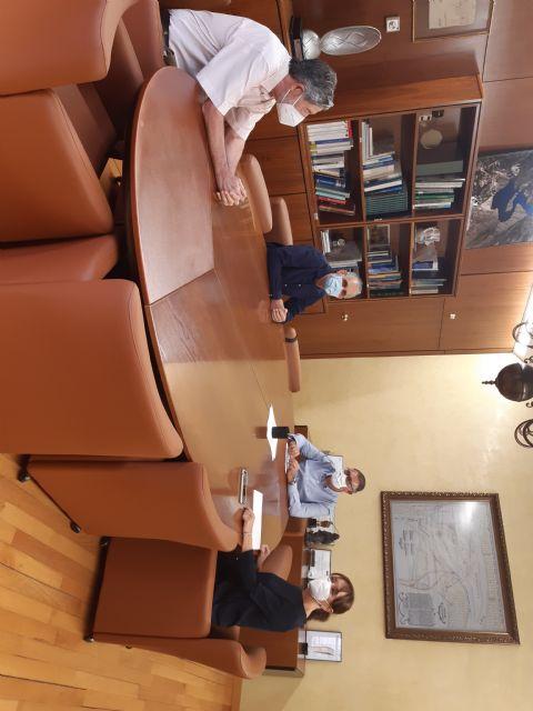 El presidente de la Confederación Hidrográfica del Segura se ha reunido con la alcaldesa de Bullas - 1, Foto 1