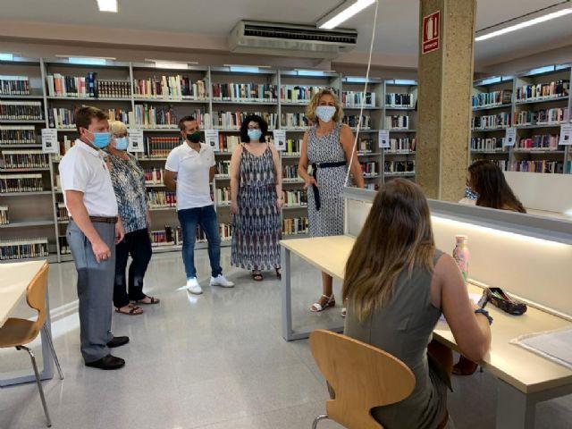 ´Yo, Julia´, ´Patria´ y ´Loba negra´, entre los libros más leídos por los usuarios de las Bibliotecas de Murcia durante el verano - 1, Foto 1