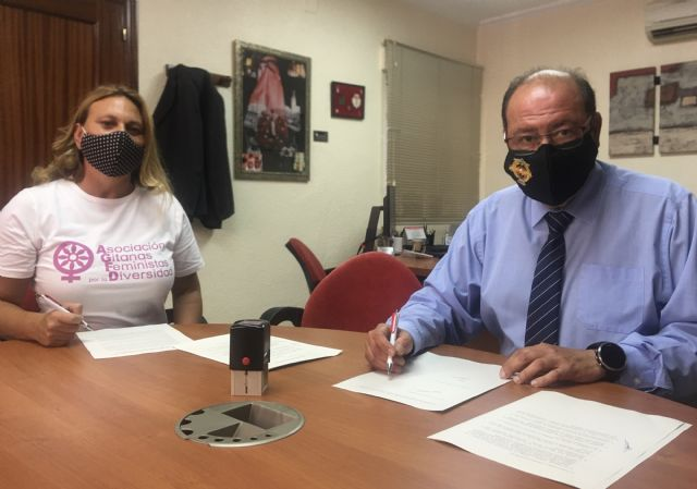 Lhicarsa y la Asociación Gitanas Feministas por la Diversidad firman un convenio de colaboración - 1, Foto 1