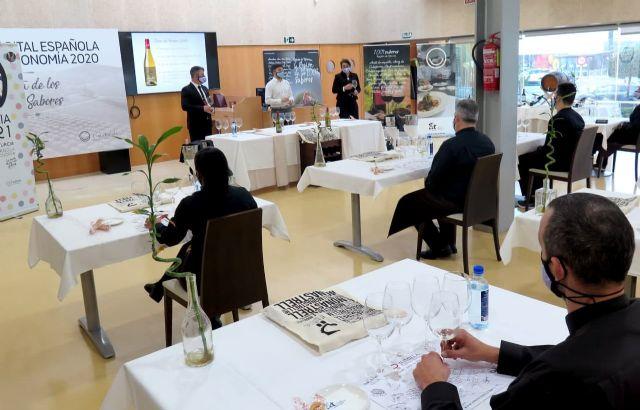 [El CCT ofrece 25 cursos de sala, cocina y turismo para cerca de 400 trabajadores, Foto 1