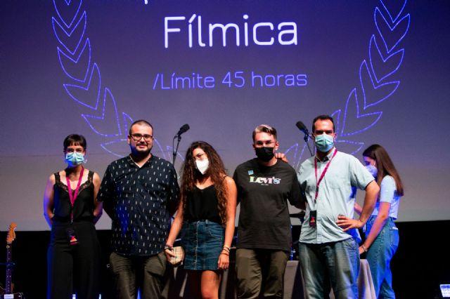 Twin Freaks gana la IV edición del Festival Supervivencia Fílmica con el cortometraje alcanzar el vórtice, Foto 1